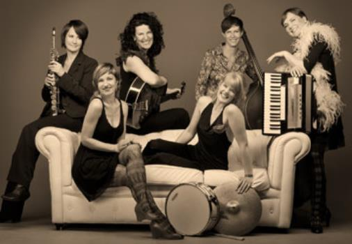 All ladies swingband